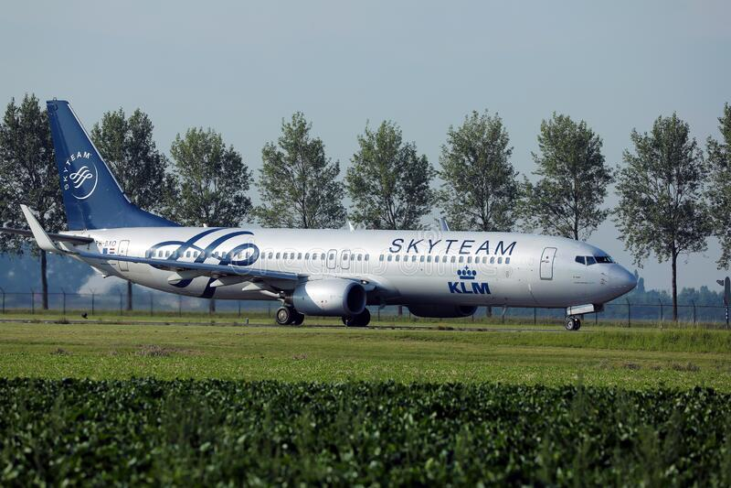 KLM Skyteam-Flugbesatzung in Amsterdam Flughafen Schiphol AMS stockfoto