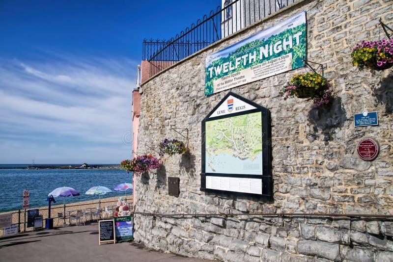 Klocka Cliff Wall - Lyme Regis royaltyfria bilder