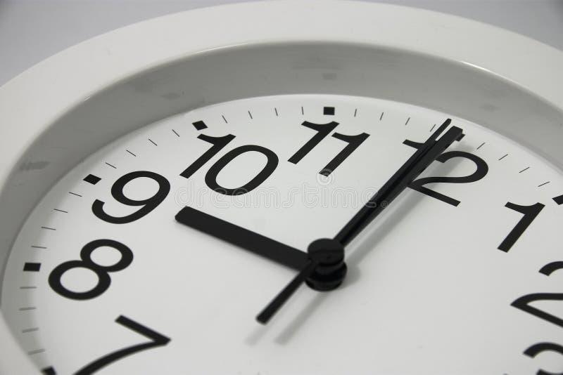 klocka o för 9 analog royaltyfri foto