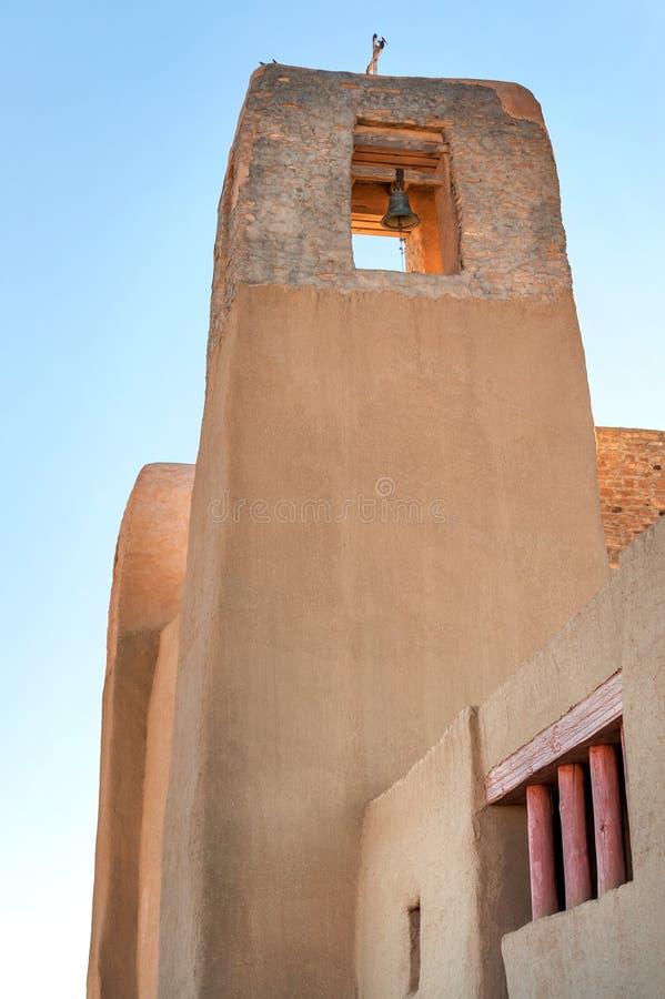 Klocka torn av beskickningkyrkan arkivbilder