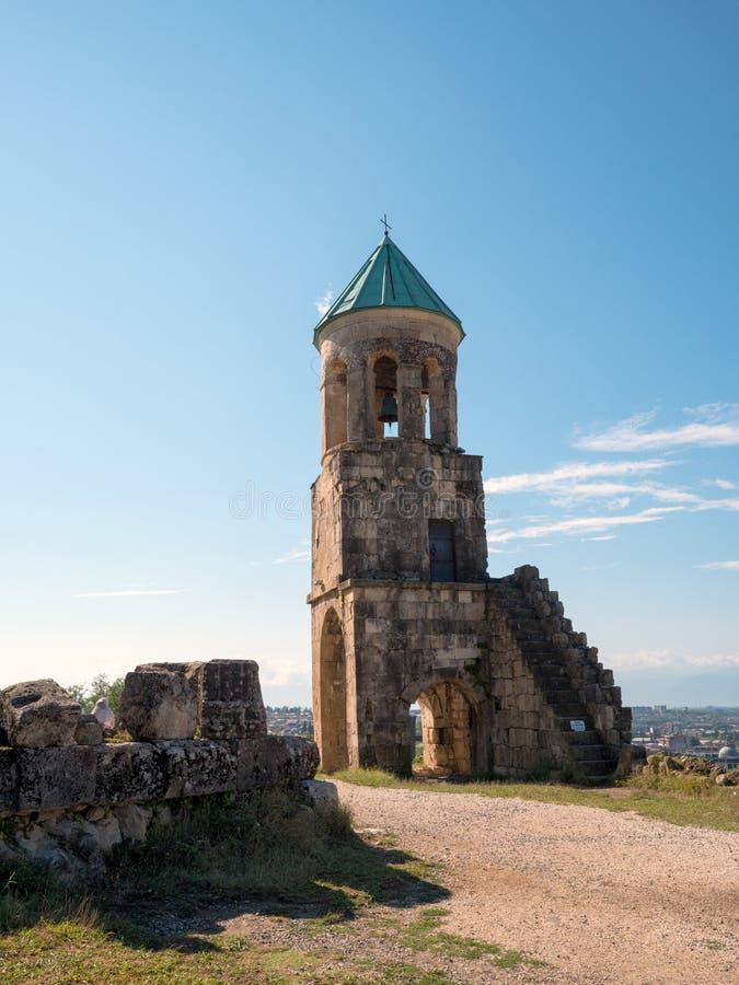 Klocka torn av den Bagrati domkyrkan arkivfoton
