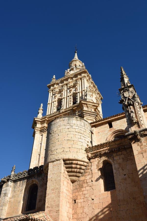 Klocka torn av domkyrkan, El Burgo de Osma, royaltyfri foto