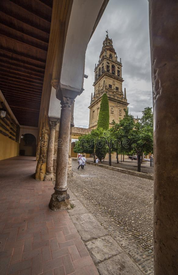 Klocka torn av mosk?n av Cordoba, Spanien royaltyfri foto