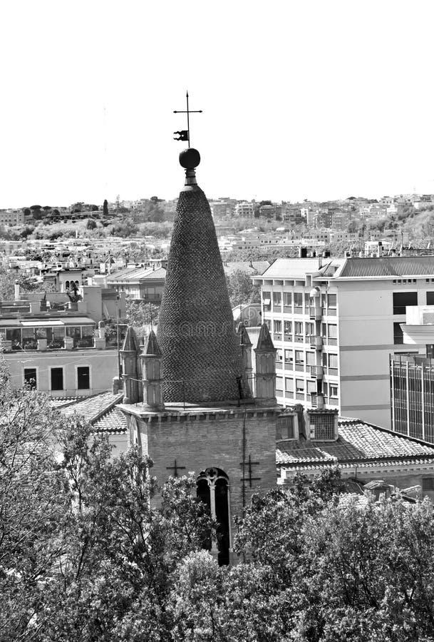 Klocka torn basilikan av Santa Maria del Popolo i Rome royaltyfri foto