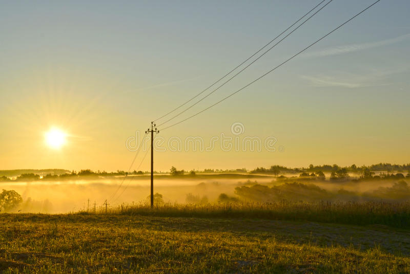 4 klockan i morgonen, dimma royaltyfri bild