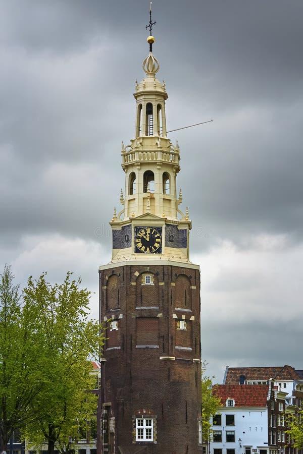 Klockatorn i Amsterdam fotografering för bildbyråer