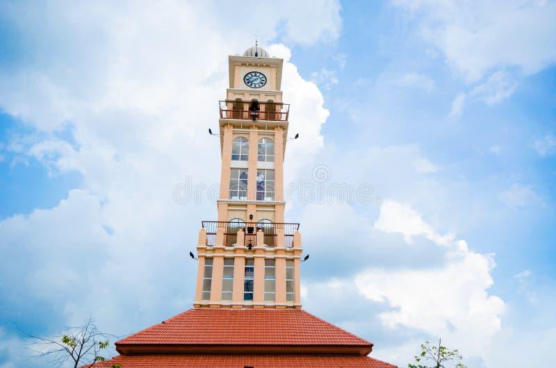 Klockatorn i Kelantan, Malaysia arkivfoto