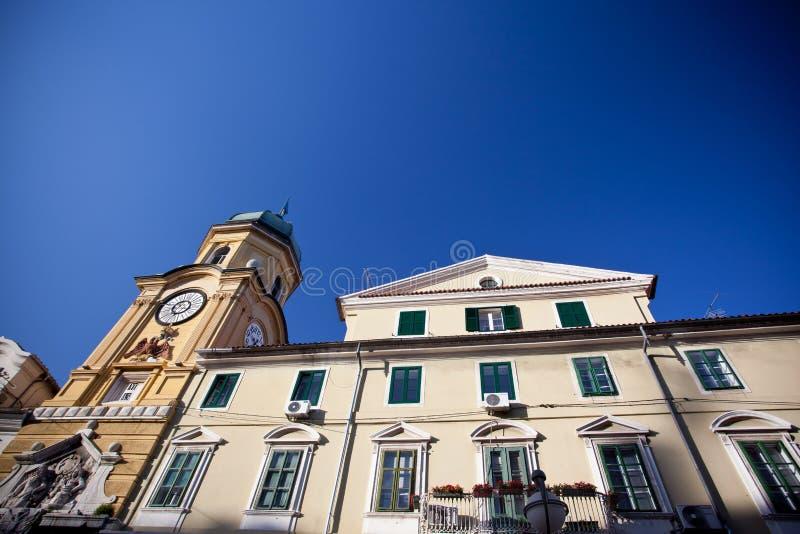 Klockatorn i Rijeka, Kroatien arkivbilder