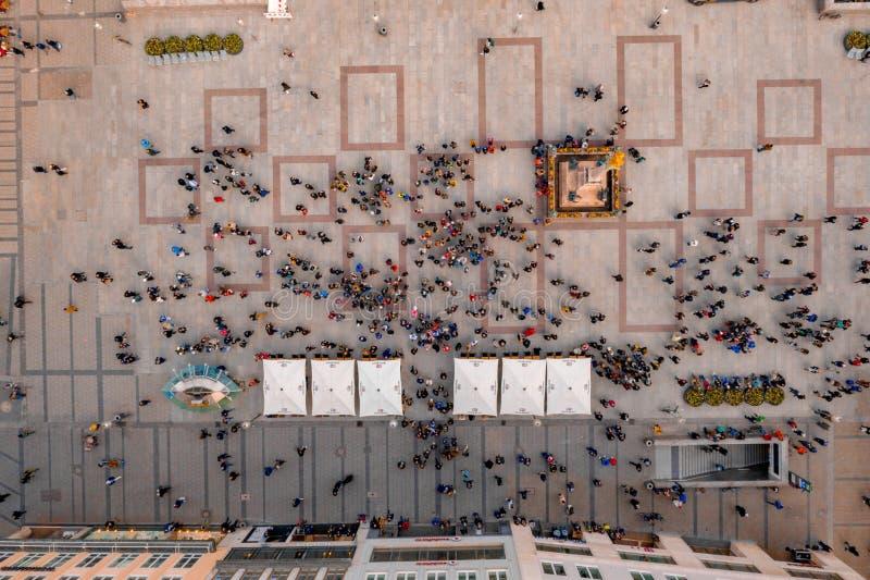 Klockatorn nära Marienplatzen i Munich arkivbilder