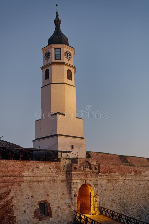Klockatorn Sahat Kula i Belgrade, Serbien royaltyfri fotografi