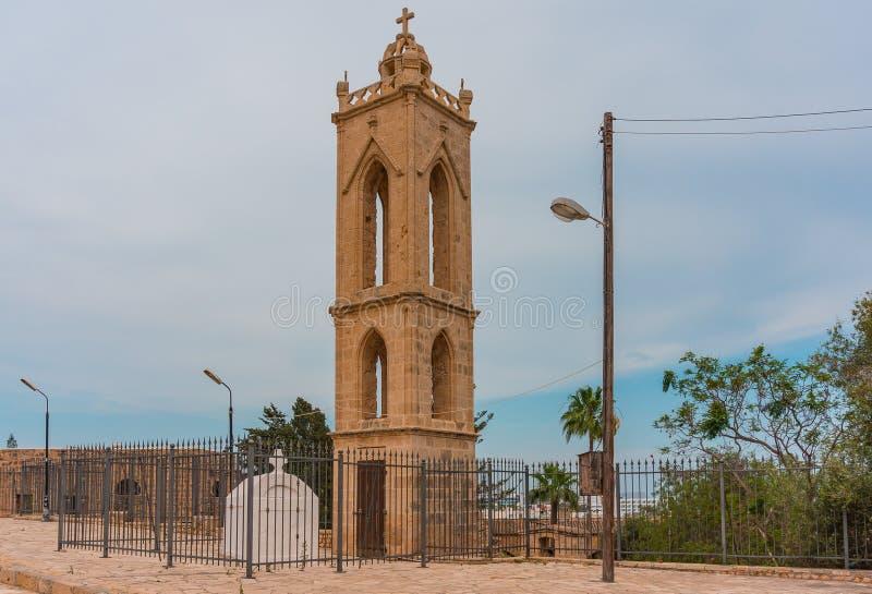 Klockatornet av den ortodoxa kloster av oskulden Mary seaview f?r napa f?r ayiafrukostcyprus hotell cyprus fotografering för bildbyråer