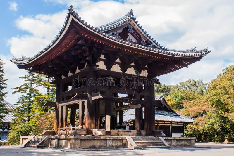 Klockatornet på den Todai-ji templet i Nara, Japan, fotografering för bildbyråer