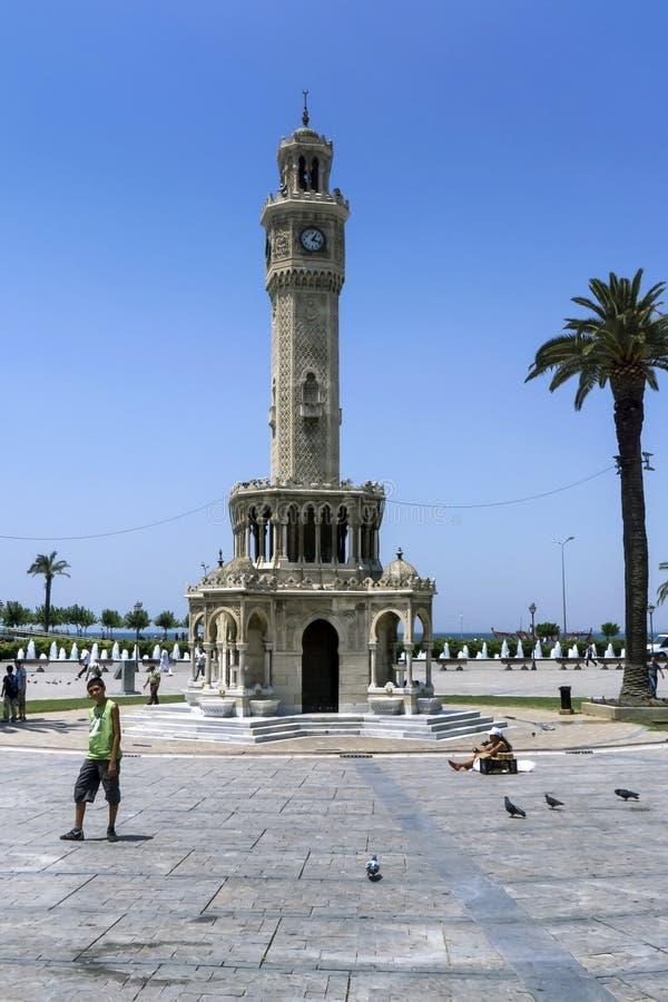 Klockatornet som lokaliseras i Konak Meydani på Izmir i Turkiet royaltyfria foton