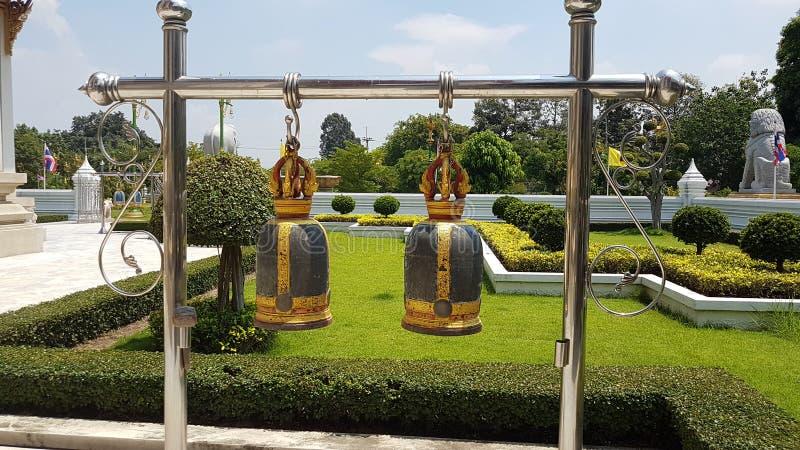 Klockor Thailand, buddha tempelklockor för buddistisk tempel, arkivfoton