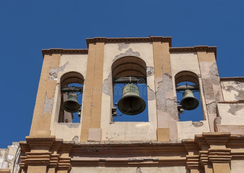 Klockstapel av den Santa Maria de Gracia kyrkan fotografering för bildbyråer