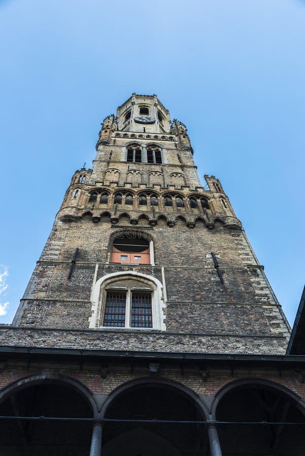 Klockstapel i den medeltida staden av Bruges, Belgien royaltyfri foto