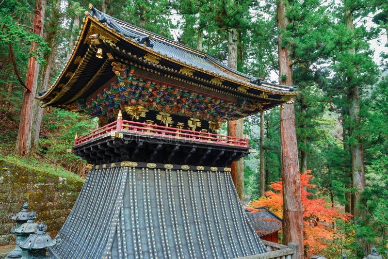 Klockstapel (Shoro) på den Taiyuinbyo relikskrin i Nikko, Japan royaltyfria foton