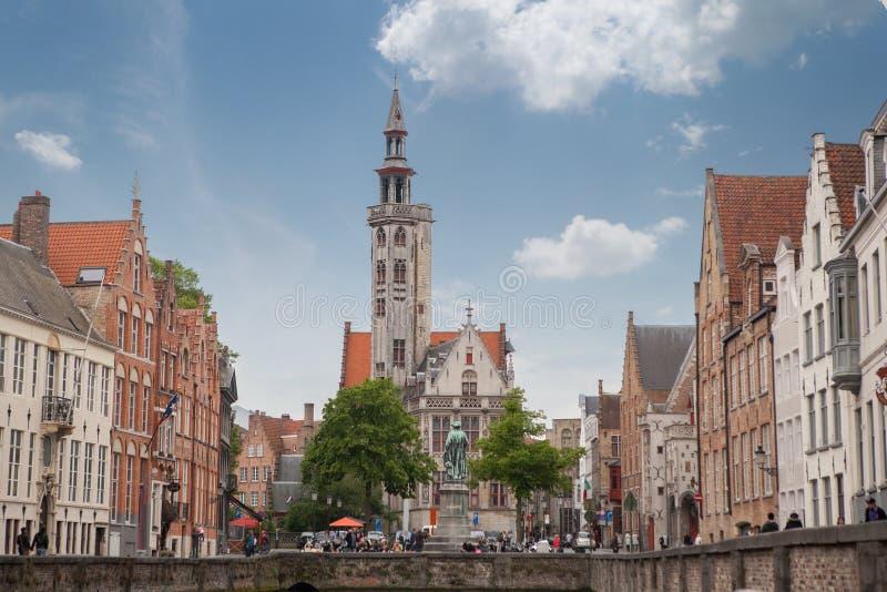 Klockstapeln av Bruges är ett medeltida klockatorn arkivfoton