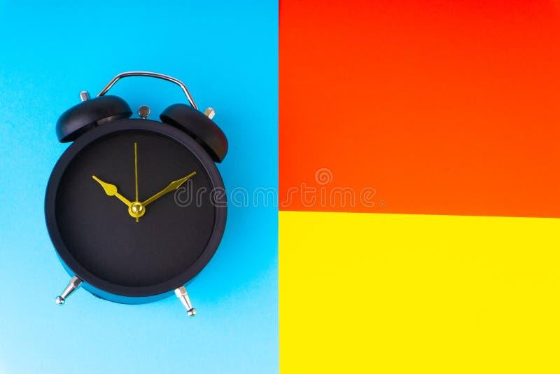 klok op kleurrijke achtergrond vector illustratie