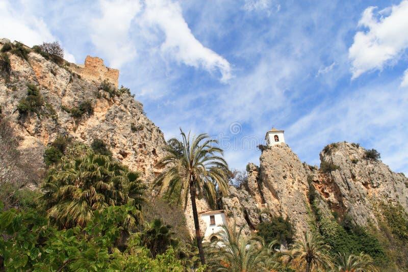 Klok-toren-ingang-Guadalest stock afbeelding