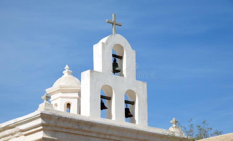 Klokken bij San Xavier del Bac Mission, Arizona royalty-vrije stock fotografie