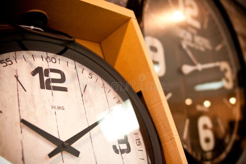 Klokken voor verkoop royalty-vrije stock fotografie