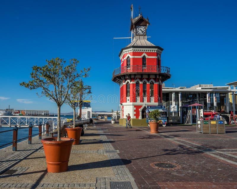 Klokketoren in de waterkant van Kaapstad stock foto's