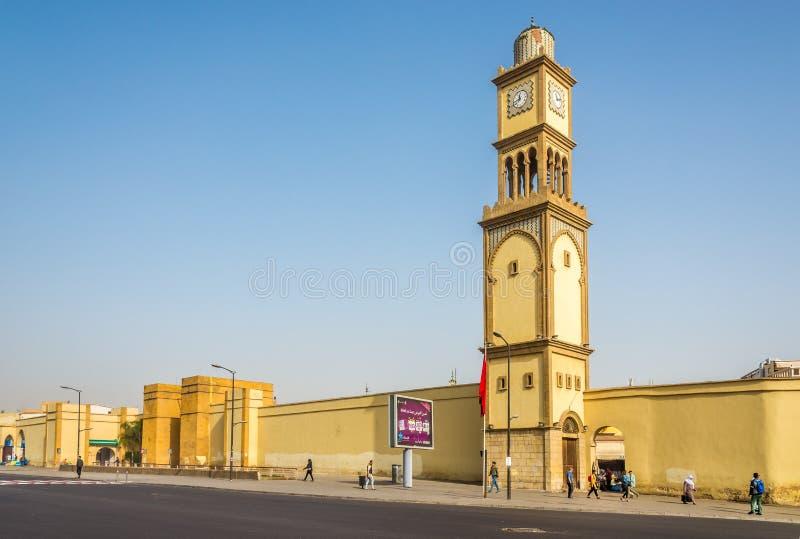 Klokketoren dichtbij vierkant van de Verenigde Naties in Casablanca - Marokko royalty-vrije stock afbeelding