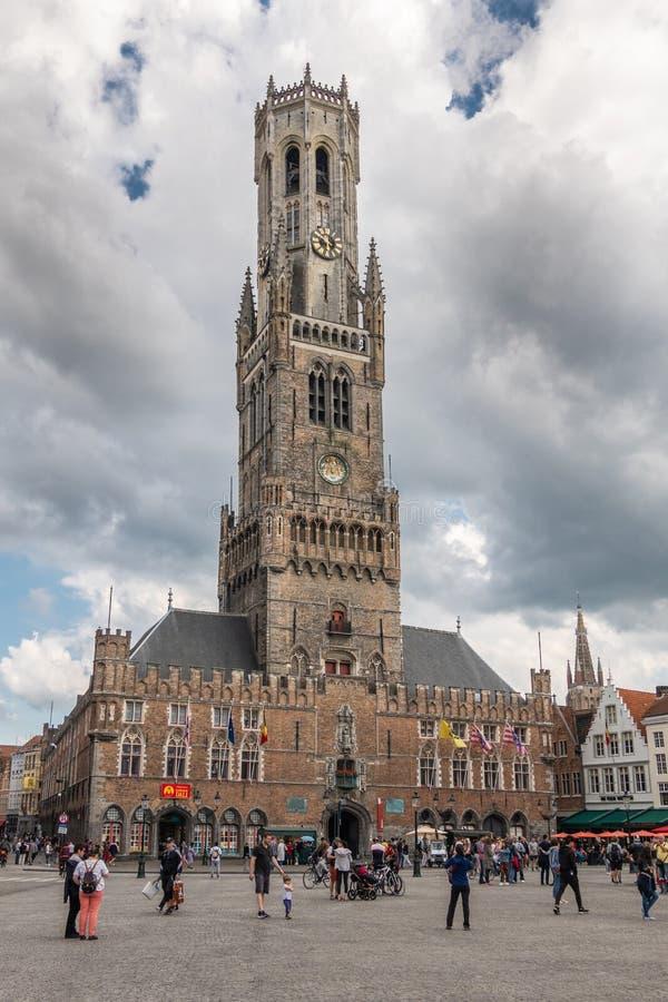 Klokketoren en een deel van Markt in Brugge, Vlaanderen, België royalty-vrije stock afbeelding