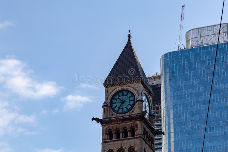 Klokketoren oud hof die Toronto Ontario Canada bouwen stock afbeeldingen