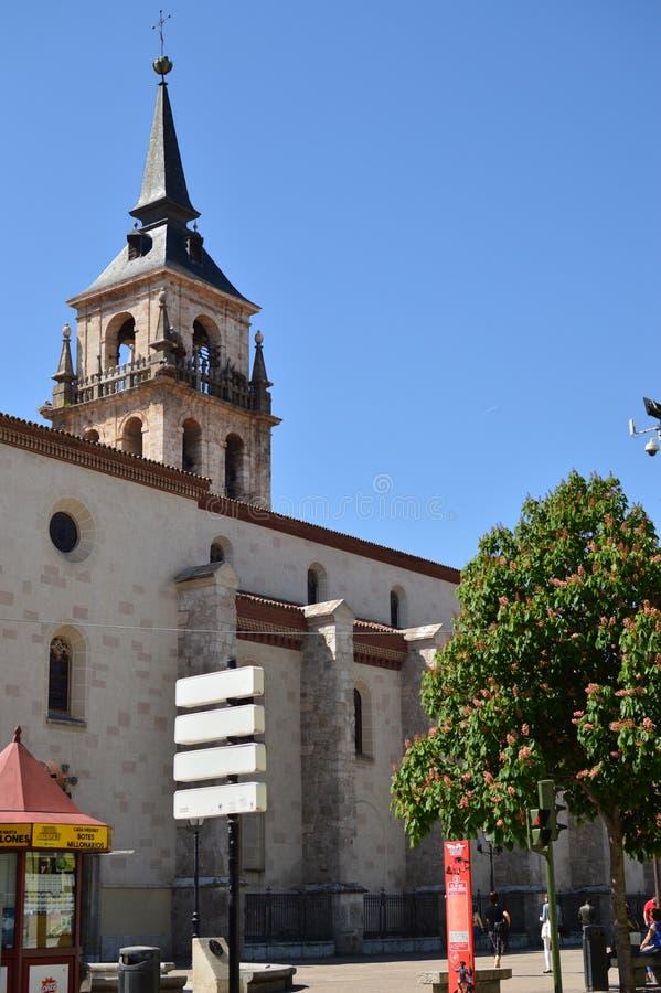 Klokketoren van Alcala DE Henares Cathedral De Geschiedenis van de architectuurreis royalty-vrije stock fotografie