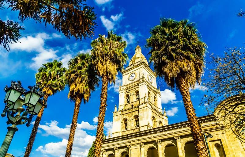 Klokketoren van catedral DE San Sebastian in Cochabamba - Bolivië stock foto