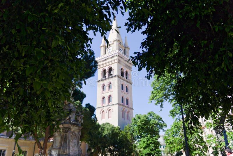Klokketoren van de Kathedraal van Messina stock afbeeldingen