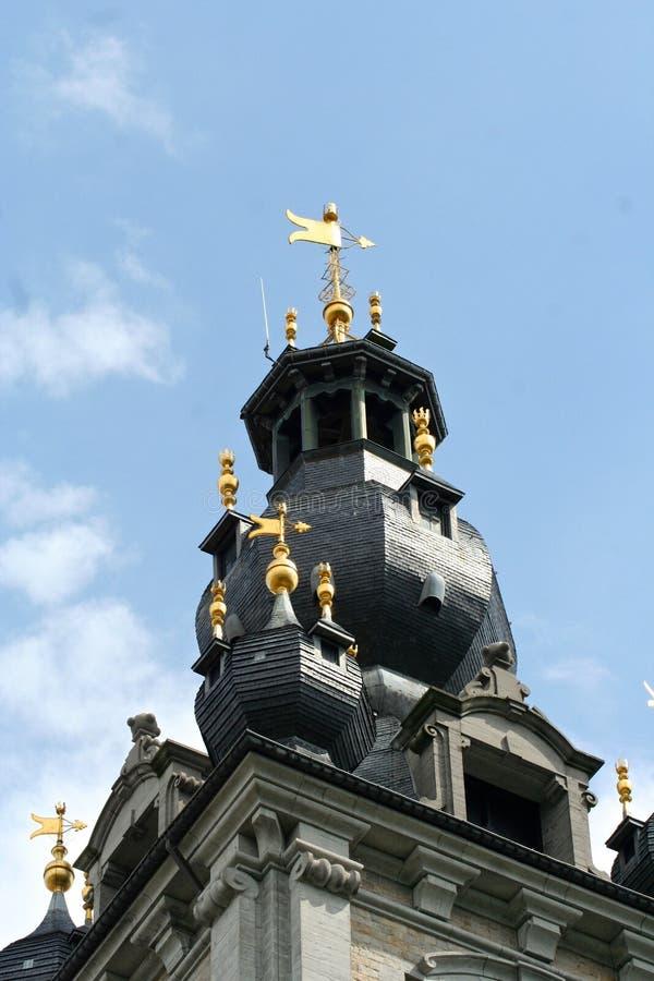 Klokketoren van Mons, België stock afbeelding