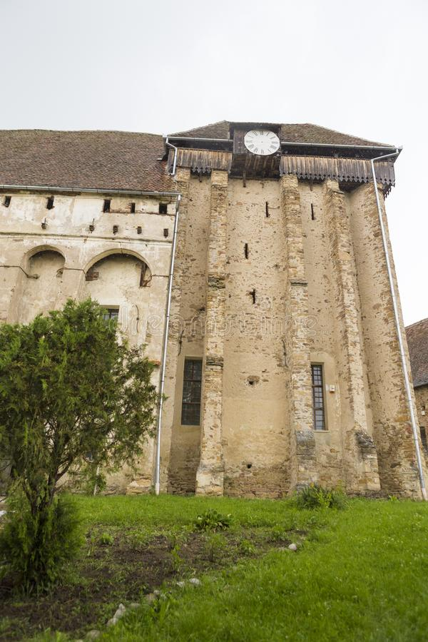 Klokketoren van Selistat versterkte kerk stock fotografie