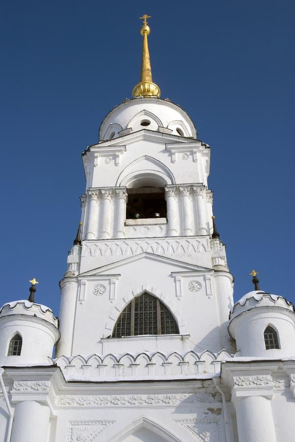 Klokketoren van Veronderstellingskathedraal in Vladimir, Rusland stock foto