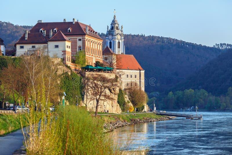 Klooster Duernstein op de rivier Donau in de Wachau-vallei Lager Oostenrijk royalty-vrije stock afbeeldingen