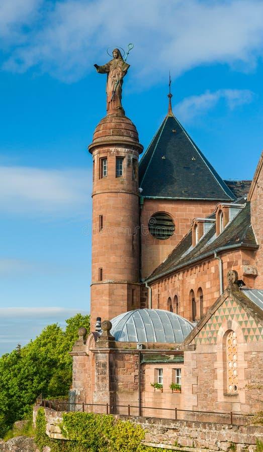Klooster in Mont Sainte-Odile in de Elzas, Frankrijk stock foto