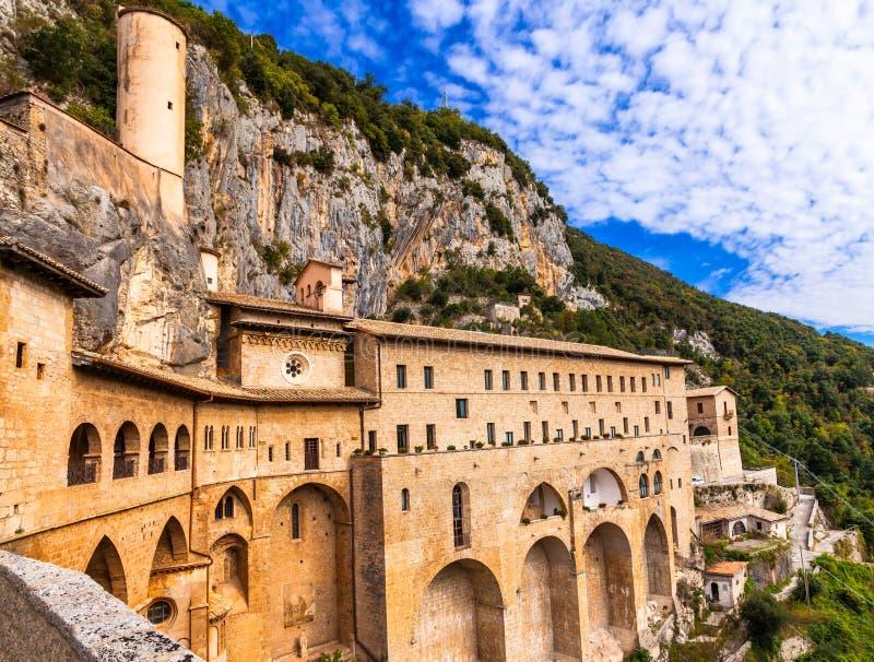 Klooster van st benedict dichtbij subiaco lazio itali for Case belle da vedere