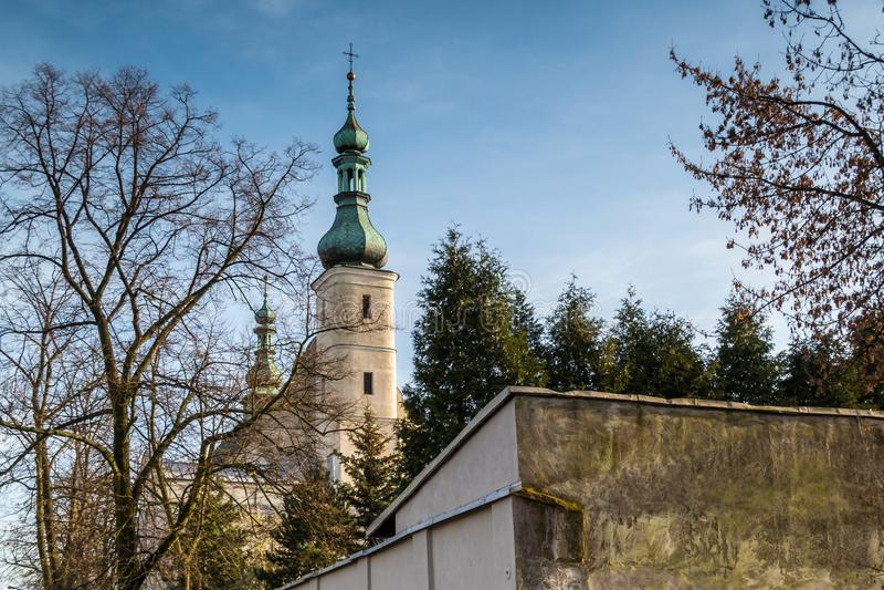 Kloostergebouwen in Radomsko-stad in centraal Polen stock afbeeldingen