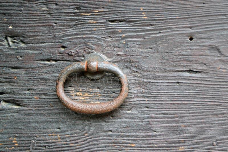 Kloppers op de deur stock foto