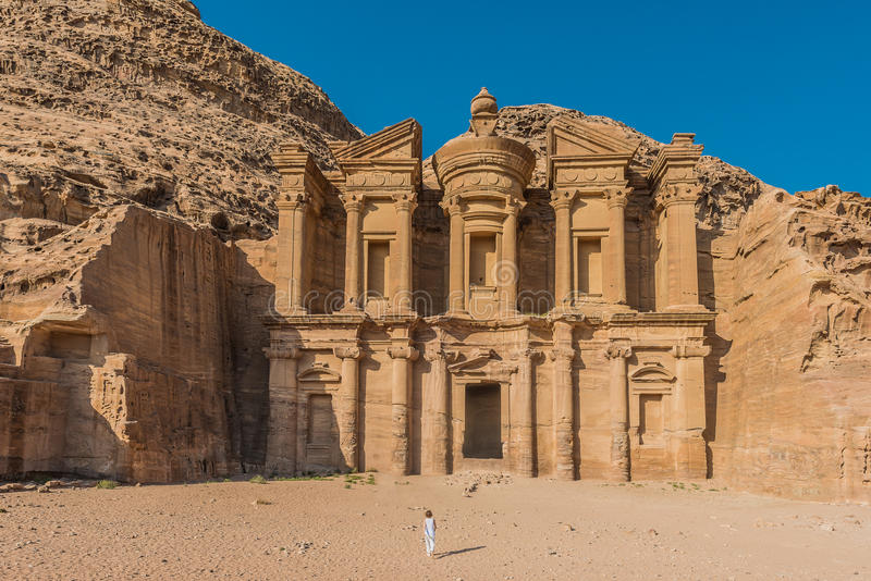 Kloster (Al Deir) i nabatean stad av petra Jordanien arkivfoton