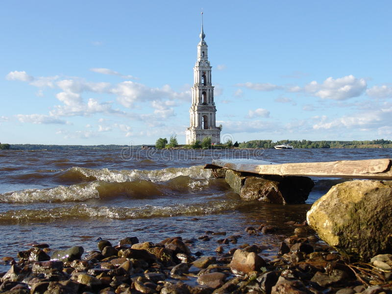 Kloster auf Wasser stockfoto