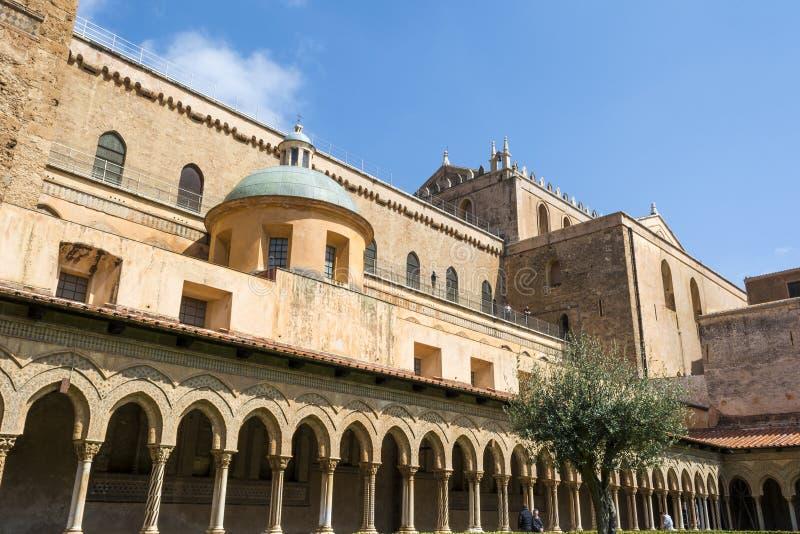 Kloster av den Monreale abbotskloster, Palermo arkivbild