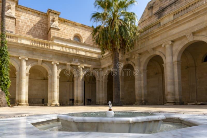 Kloster av domkyrkan av den Encarnacià ³en n, Almeria, Spanien royaltyfri fotografi