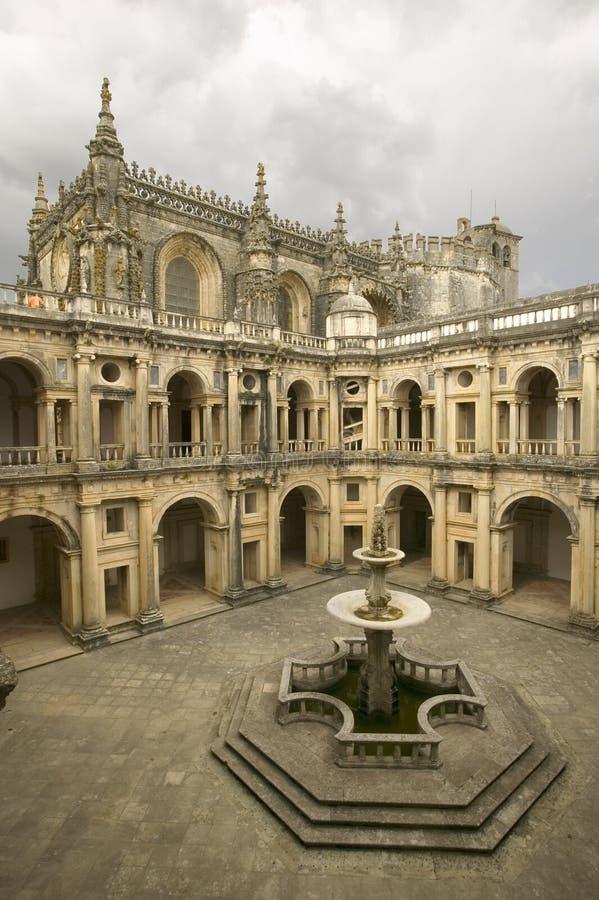 Kloster av riddarna av Kristus och den Templar slotten är en Unesco-världsarv som grundas av Gualdim Pais i ANNONSEN 1160, i Tom arkivbild