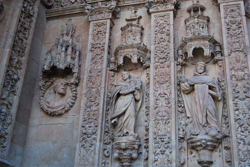 Kloster av San Esteban den huvudsakliga fasaddetaljen royaltyfri fotografi