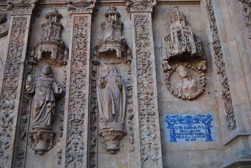 Kloster av San Esteban den huvudsakliga fasaddetaljen royaltyfria foton