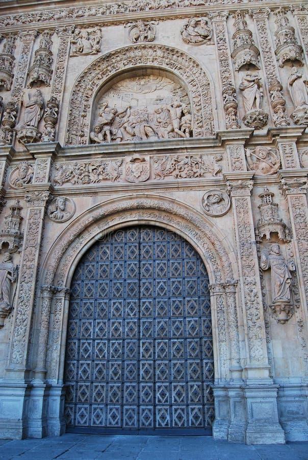 Kloster av San Esteban specificerar den huvudsakliga ing arkivfoto
