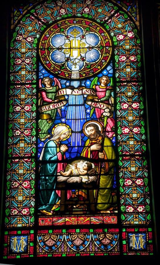 Kloster Buntglas-Geburt Christis-Schätzchen-Jesuss Mary Joseph Monestir stockfotos